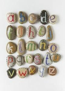 stenen-letters
