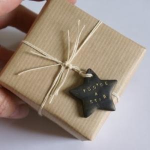 kerst-cadeau-inpakken