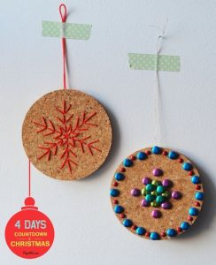 kerstballen-kurk-versieren